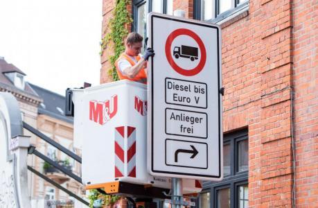 Hamburgi diiselautode keeld jääb kehtima, kuni vanu autosid pole uuendatud