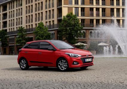 Hyundai i20 on nutikam, ohutum ja värskenduskuuri läbinud disainiga